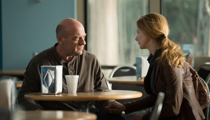 men-women-children-dean-norris-judy-greer.jpg