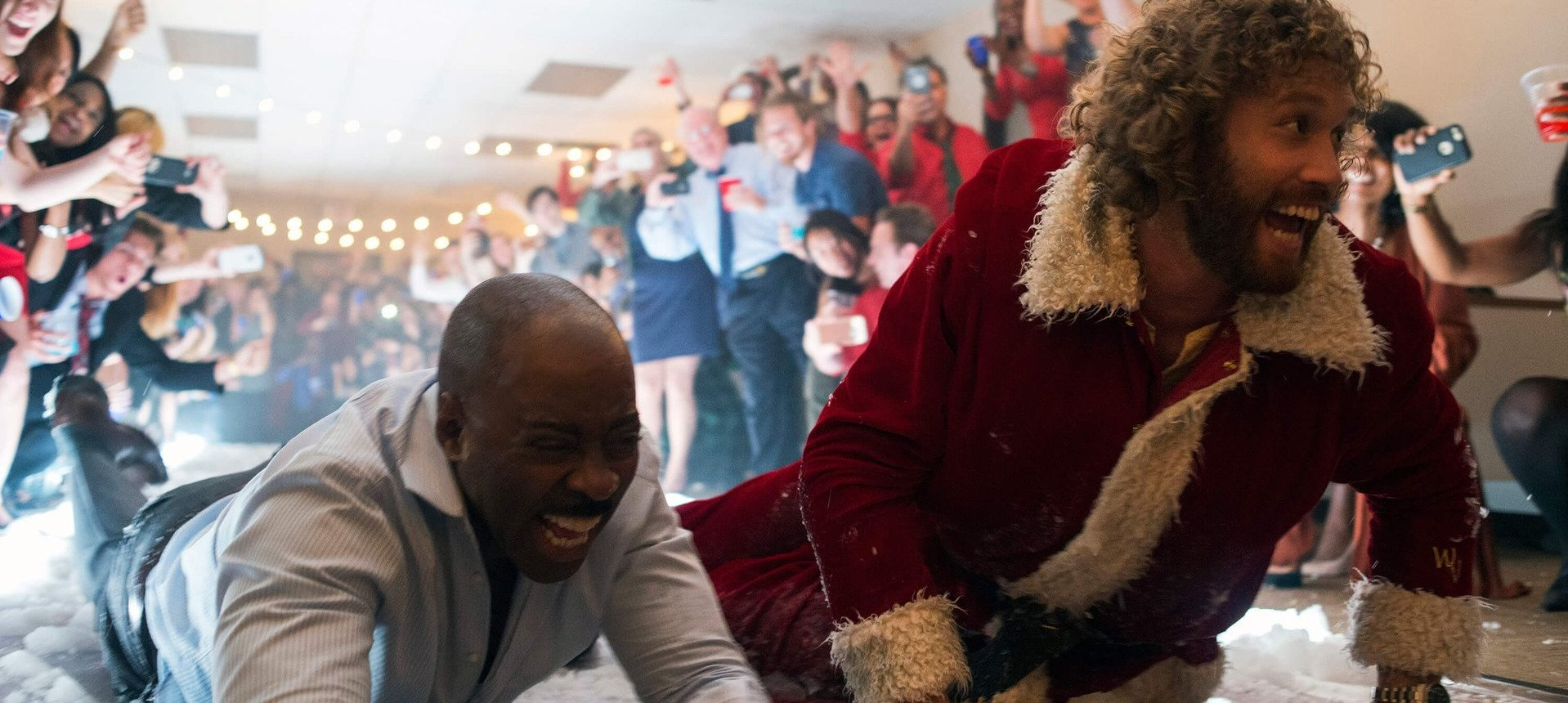 Out in Theaters: \'OFFICE CHRISTMAS PARTY\' - Silver Screen Riot