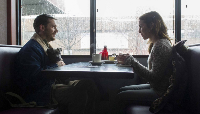 Tom-Hardy-and-Noomi-Rapace-in-The-Drop-2014-Movie-Image.jpg