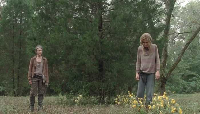 the-walking-dead-the-grove-carol-and-lizzie.jpg